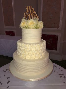 Stunning luxurious wedding cake